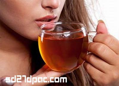 Uống trà gừng mật ong giải cảm: